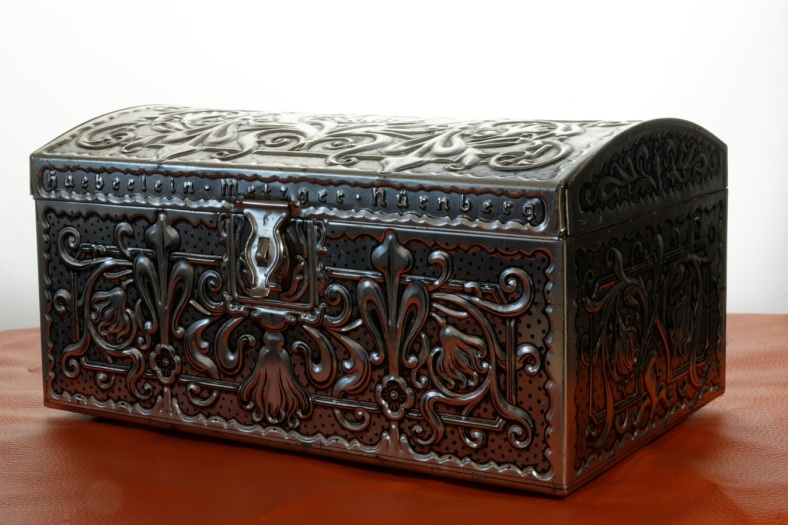 table-antique-old-store-metal-box-1059885-pxhere.com